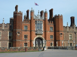 Front of Hampton Court Palace