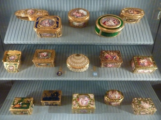Snuff boxes in the Wallace Collection